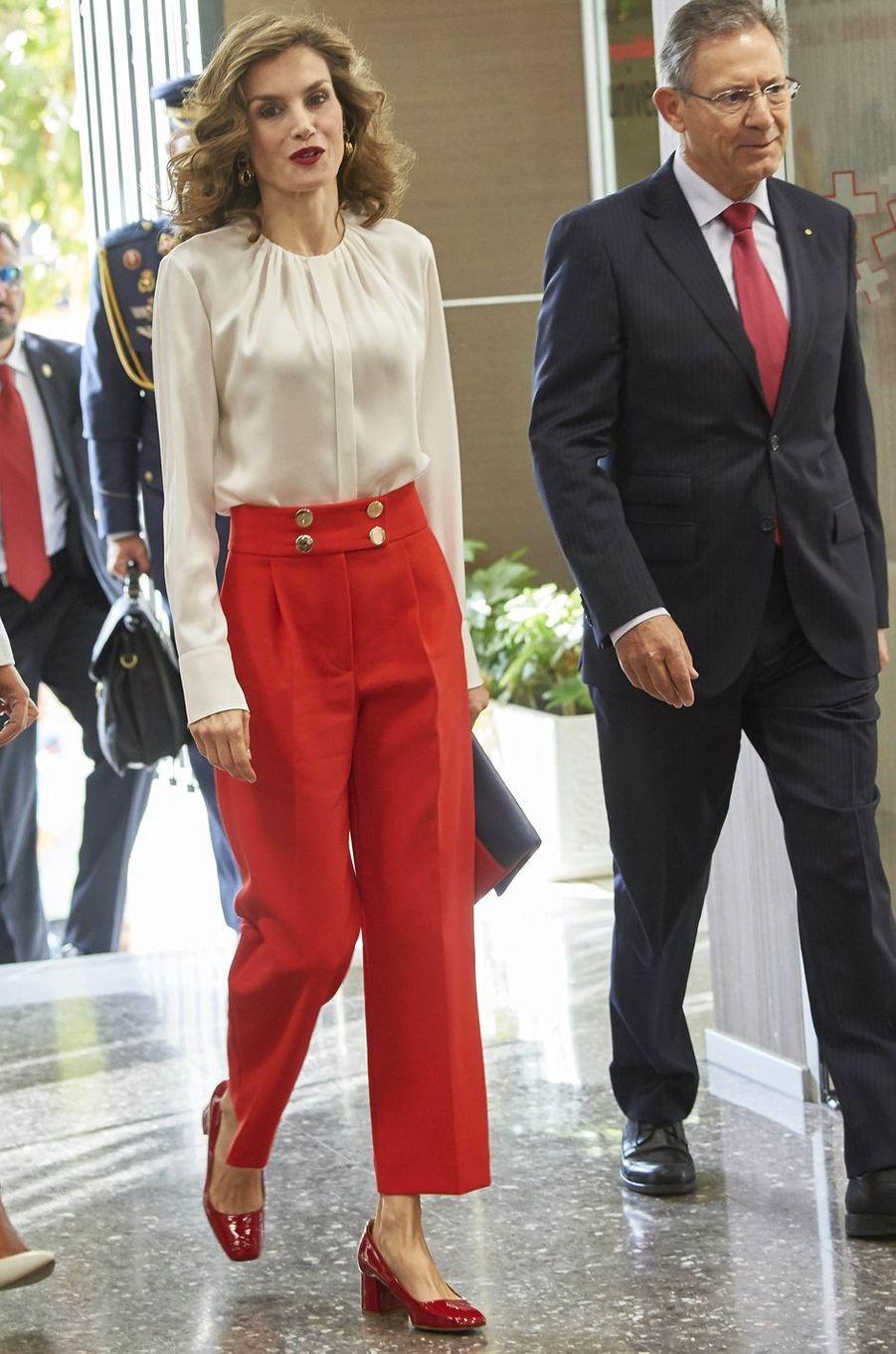 La reine Letizia d'Espagne à Madrid, le 5 octobre 2016