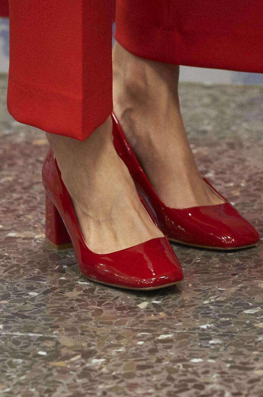 Les chaussures de la reine Letizia d'Espagne à Madrid, le 5 octobre 2016