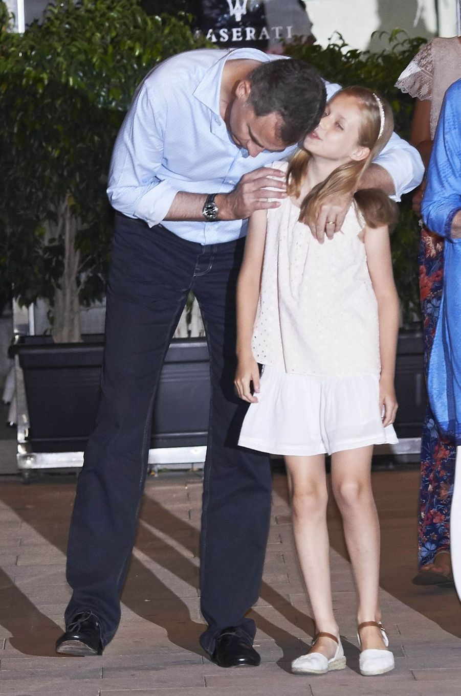Le roi Felipe VI d'Espagne avec sa fille la princesse Leonor à Majorque, le 31 juillet 2016