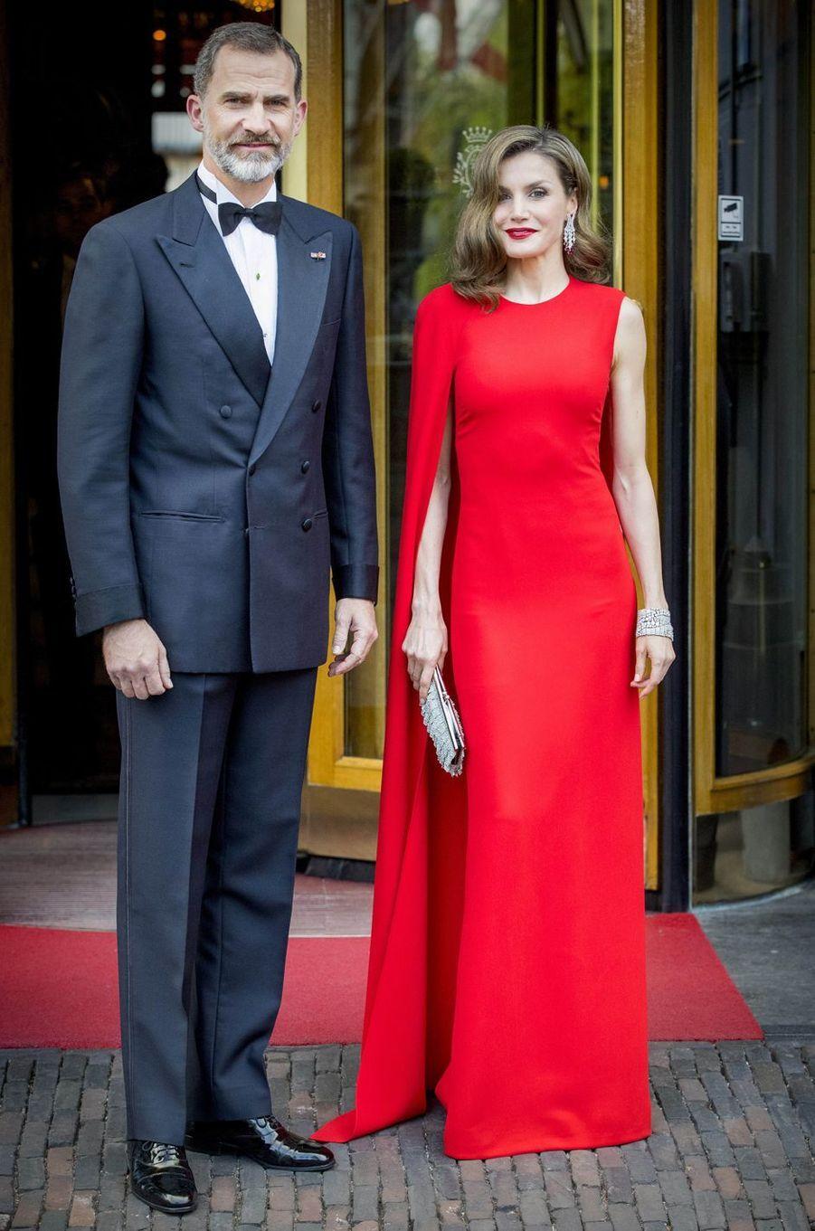 La reine Letizia d'Espagne en Stella Mc Cartney, le 29 avril 2017