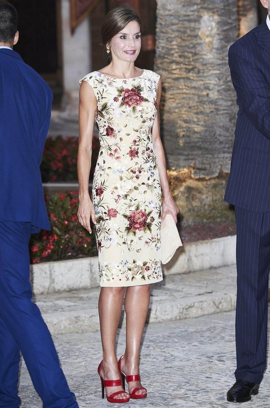 La reine Letizia d'Espagne en Juan Duyos, le 4 août 2017