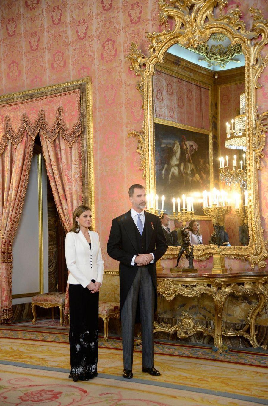 La reine Letizia et le roi Felipe VI d'Espagne à Madrid, le 31 janvier 2018
