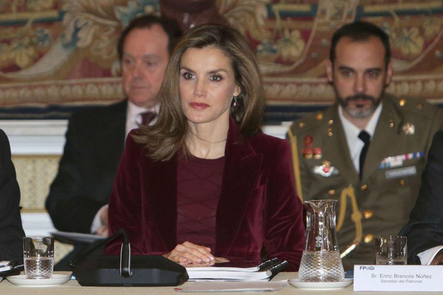 La reine Letizia d'Espagne à la réunion du conseil de la Fondation princesse de Gérone, à Madrid le 14 décembre 2016