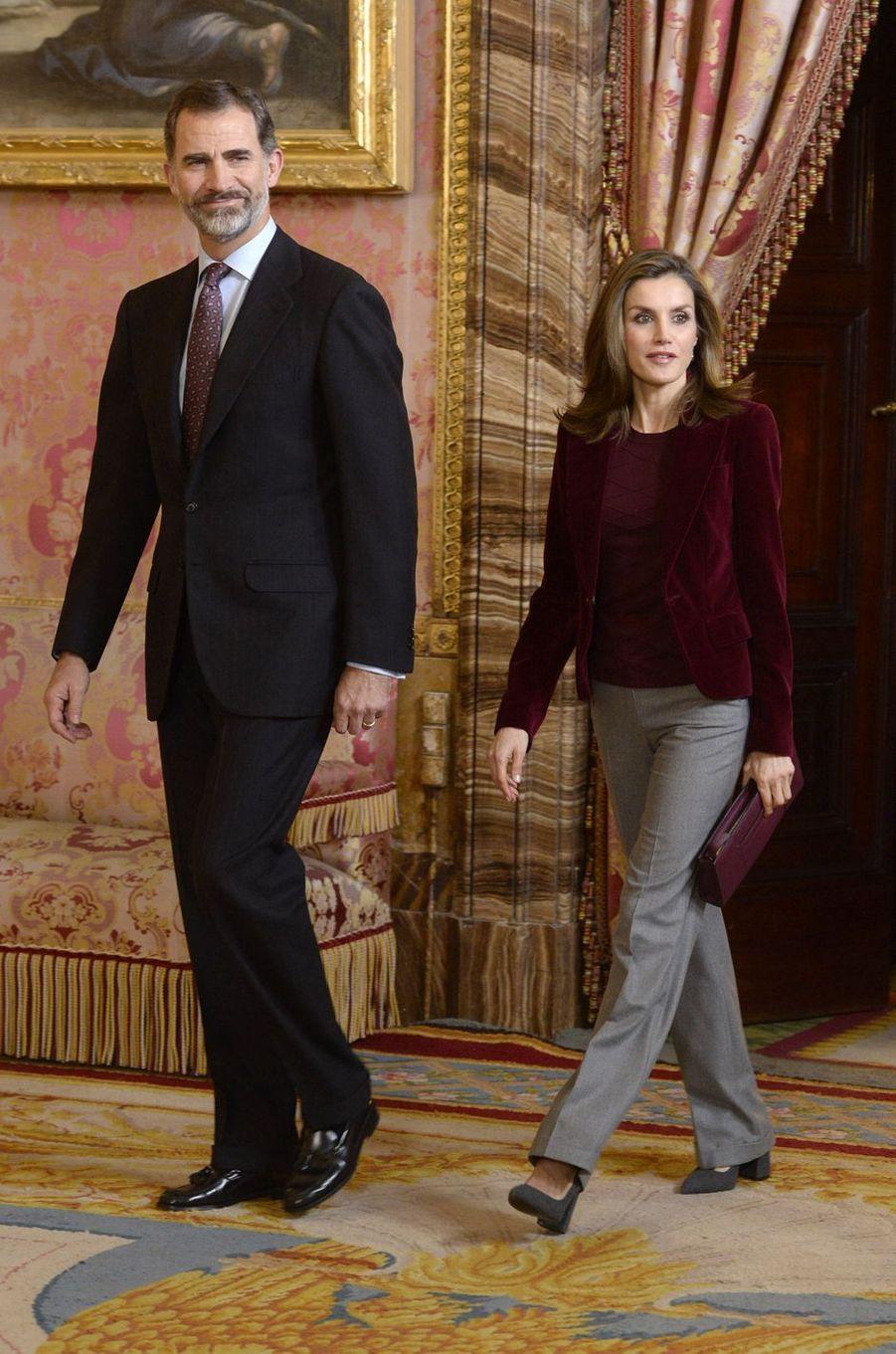 La reine Letizia et le roi Felipe VI d'Espagne au Palais royal à Madrid, le 14 décembre 2016