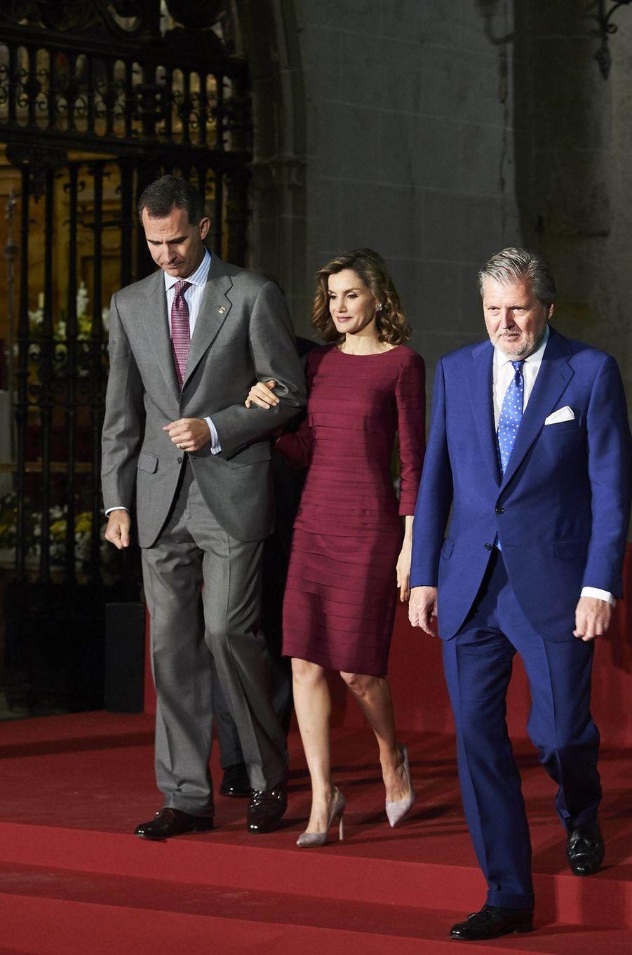 La reine Letizia et le roi Felipe VI d'Espagne à Palencia, le 1er juin 2016