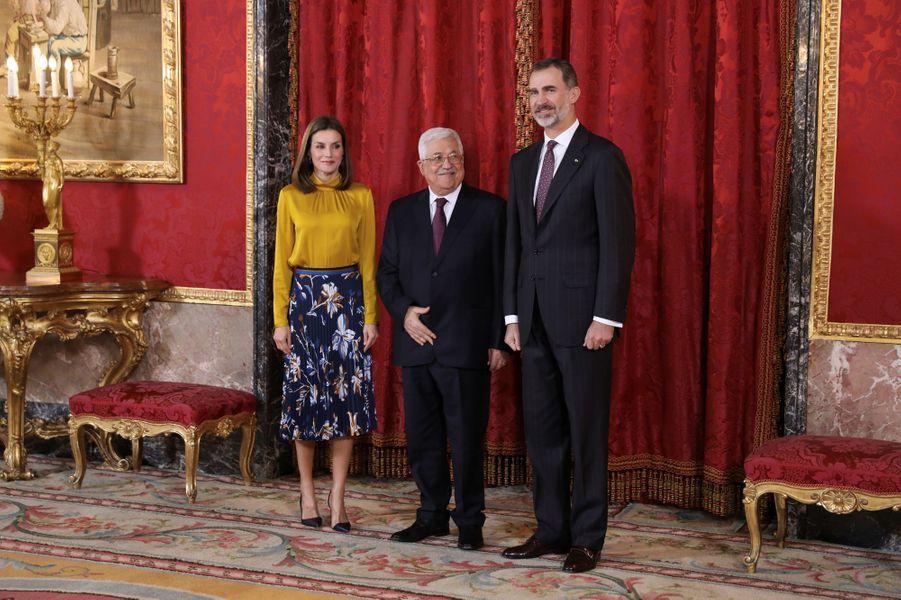 La reine Letizia et le roi Felipe VI d'Espagne avec Mahmoud Abbas à Madrid, le 20 novembre 2017