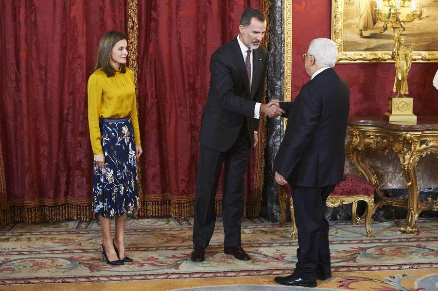 La reine Letizia et le roi Felipe VI d'Espagne accueillent le président palestinien au Palais royal à Madrid, le 20 novembre 2017