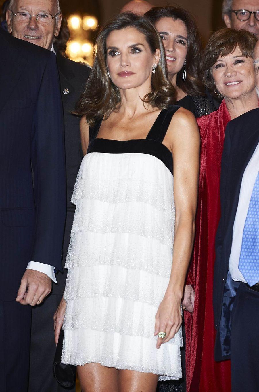 La reine Letizia d'Espagne dans une robe de Teresa Helbig à Madrid, le 22 novembre 2017