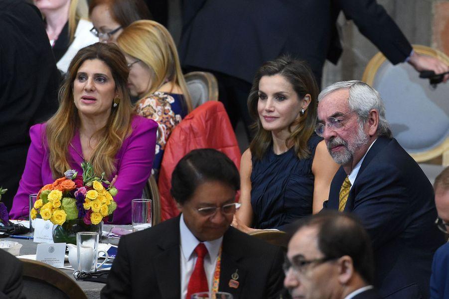 La princesse Dina Mired de Jordanie et la reine Letizia d'Espagne à Mexico, le 14 novembre 2017