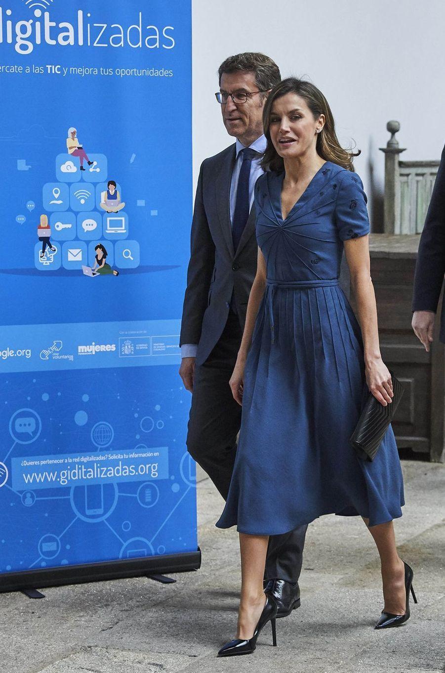 La reine Letizia d'Espagne en Bottega Veneta à Saint-Jacques de Compostelle, le 2 mars 2018