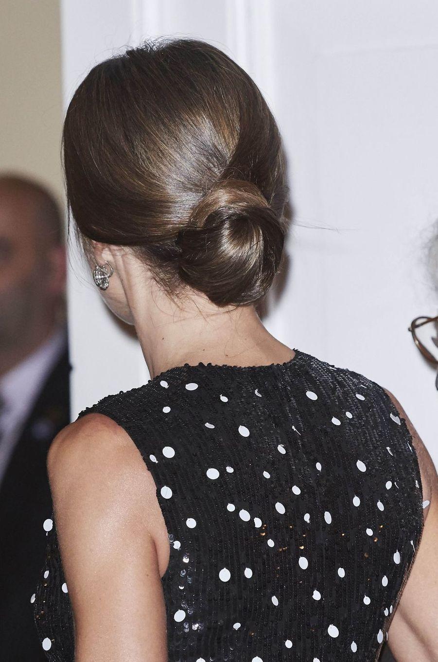 Le chignon de la reine Letizia d'Espagne à Madrid, le 7 novembre 2017