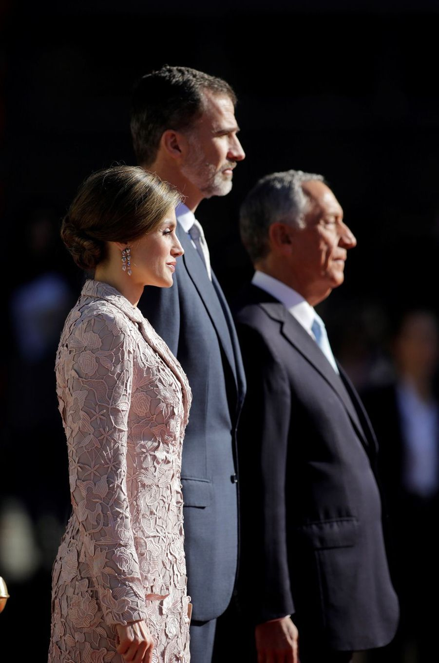 La reine Letizia et le roi Felipe VI d'Espagne avec le président portugais Marcelo Rebelo de Sousa à Porto, le 28 novembre 2016