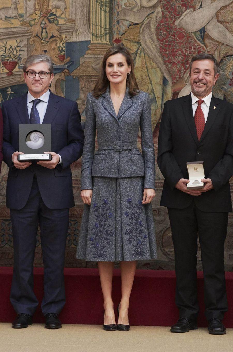 La reine Letizia d'Espagne en Felipe Varela à Madrid, le 21 novembre 2017