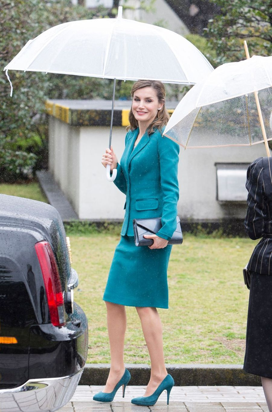 La reine Letizia d'Espagne en Felipe Varela à Shizuoka, le 7 avril 2017