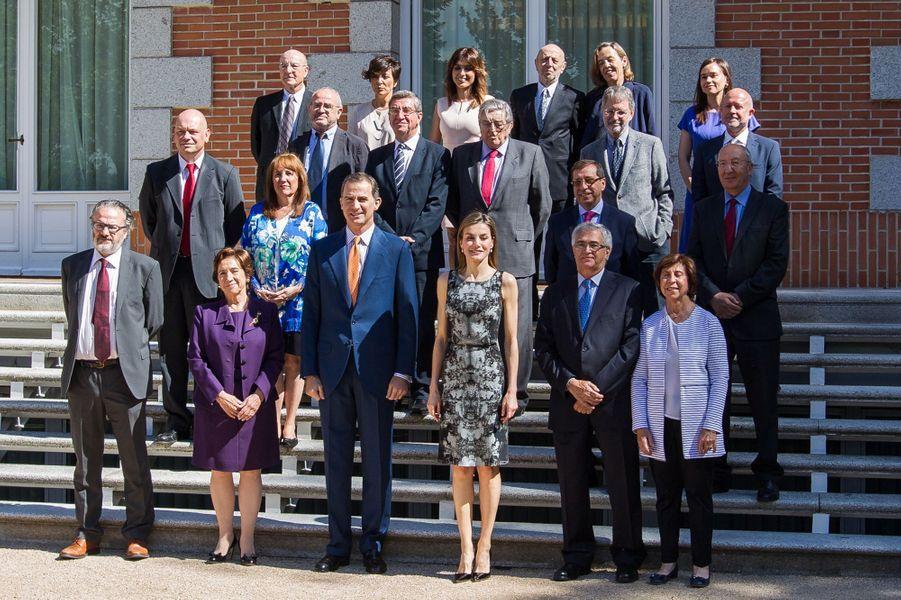 La reine Letizia et le roi Felipe VI d'Espagne, avec lena Resano (en haut au centre) à Madrid, le 6 juin 2016