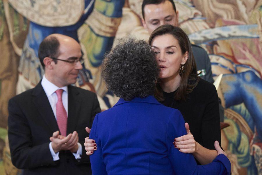 La reine Letizia d'Espagne avec Victoria Civera à Madrid, le 9 février 2018