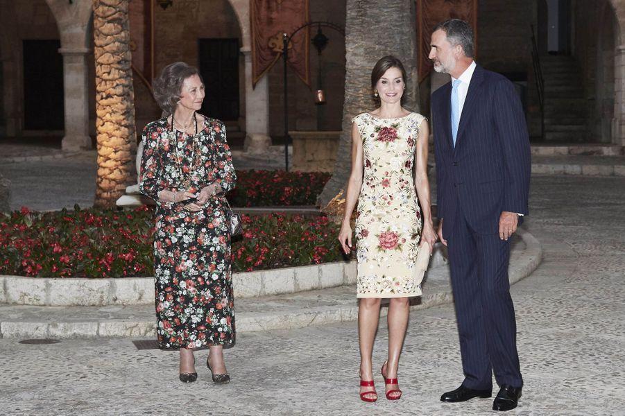 L'ex-reine Sofia, la reine Letizia et le roi Felipe VI d'Espagne à Palma de Majorque, le 4 août 2017