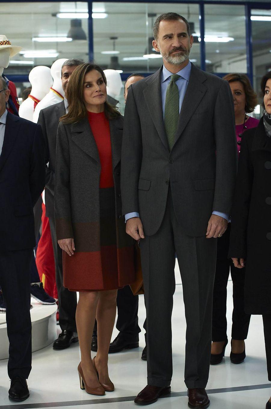 La reine Letizia et le roi Felipe VI d'Espagne chez Joma Sports à Portillo de Toledo, le 19 janvier 2018
