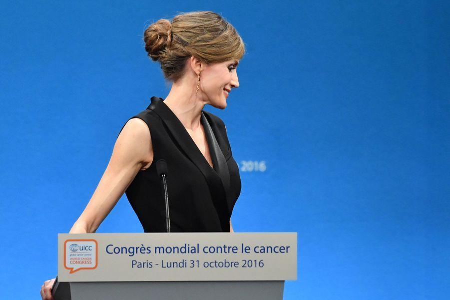 La reine Letizia d'Espagne au Palais des congrès à Paris, le 31 octobre 2016