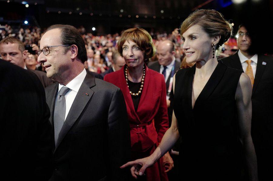 La reine Letizia d'Espagne avec François Hollande à Paris, le 31 octobre 2016