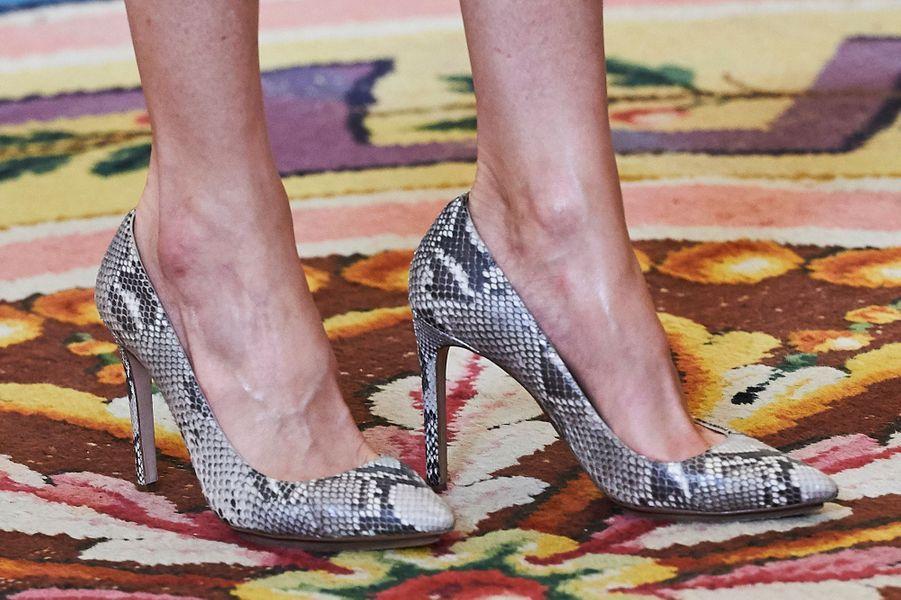 Les chaussures de la reine Letizia d'Espagne à Madrid, le 12 mai 2017