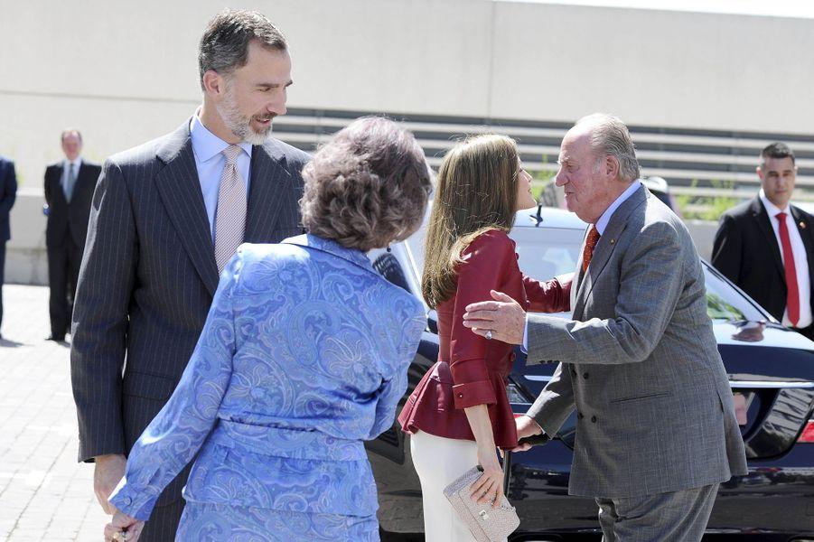 La reine Letizia et le roi Felipe VI d'Espagne avec l'ancienne reine Sofia et l'ancien roi Juan Carlos à Madrid, le 22 mai 2017
