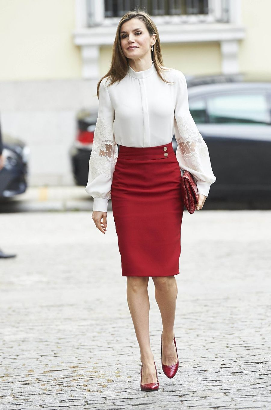 La reine Letizia d'Espagne en Carolina Herrera et Hugo Boss à Madrid, le 29 mai 2017