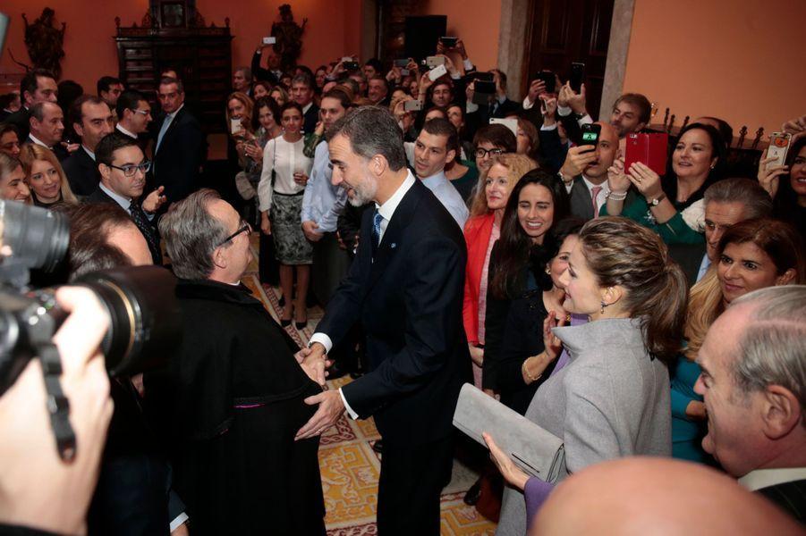 La reine Letizia et le roi Felipe VI d'Espagne à l'ambassade d'Espagne à Lisbonne, le 30 novembre 2016