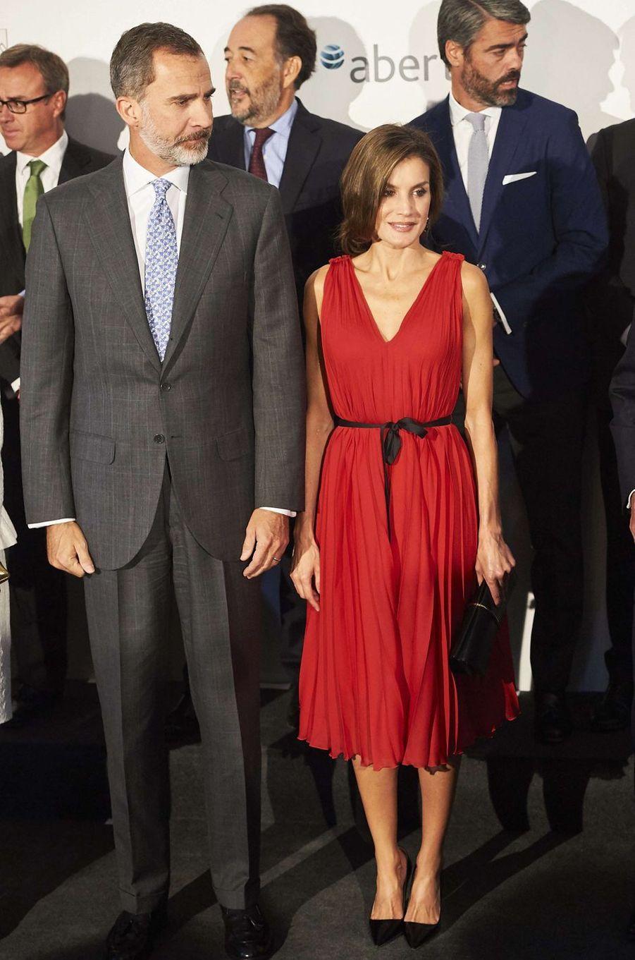 La reine Letizia d'Espagne, dans une robe Carolina Herrera, le 21 septembre 2017