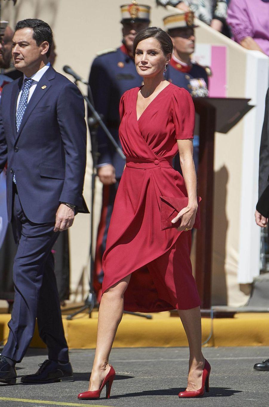 La reine Letizia d'Espagne, dans une robe Cherubina, le 1er juin 2019