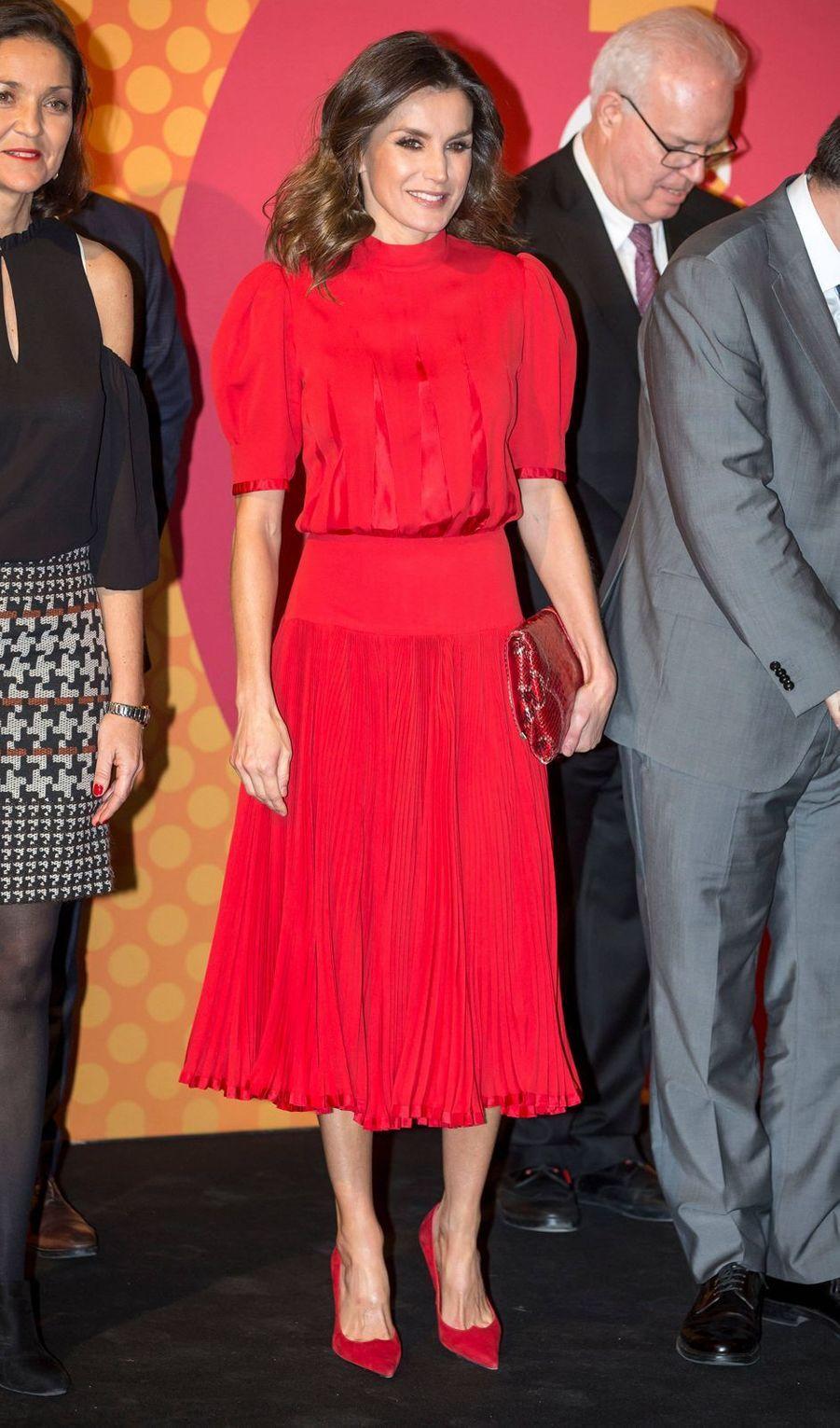 La reine Letizia d'Espagne, dans une ancienne robe portée par l'ex-reine Sofia, le 19 décembre 2018