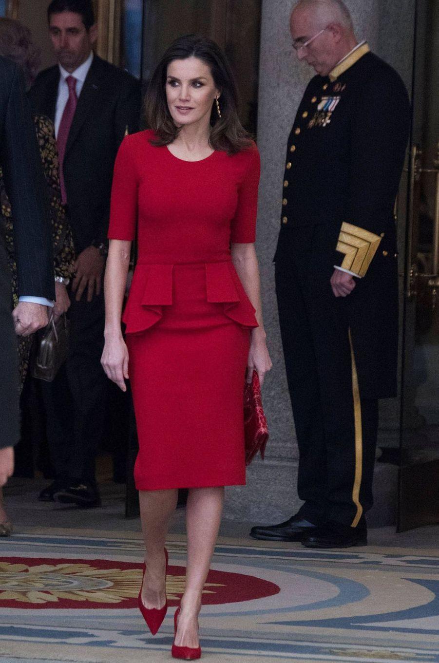 La reine Letizia d'Espagne, dans une robe Carolina Herrera, le 10 janvier 2019