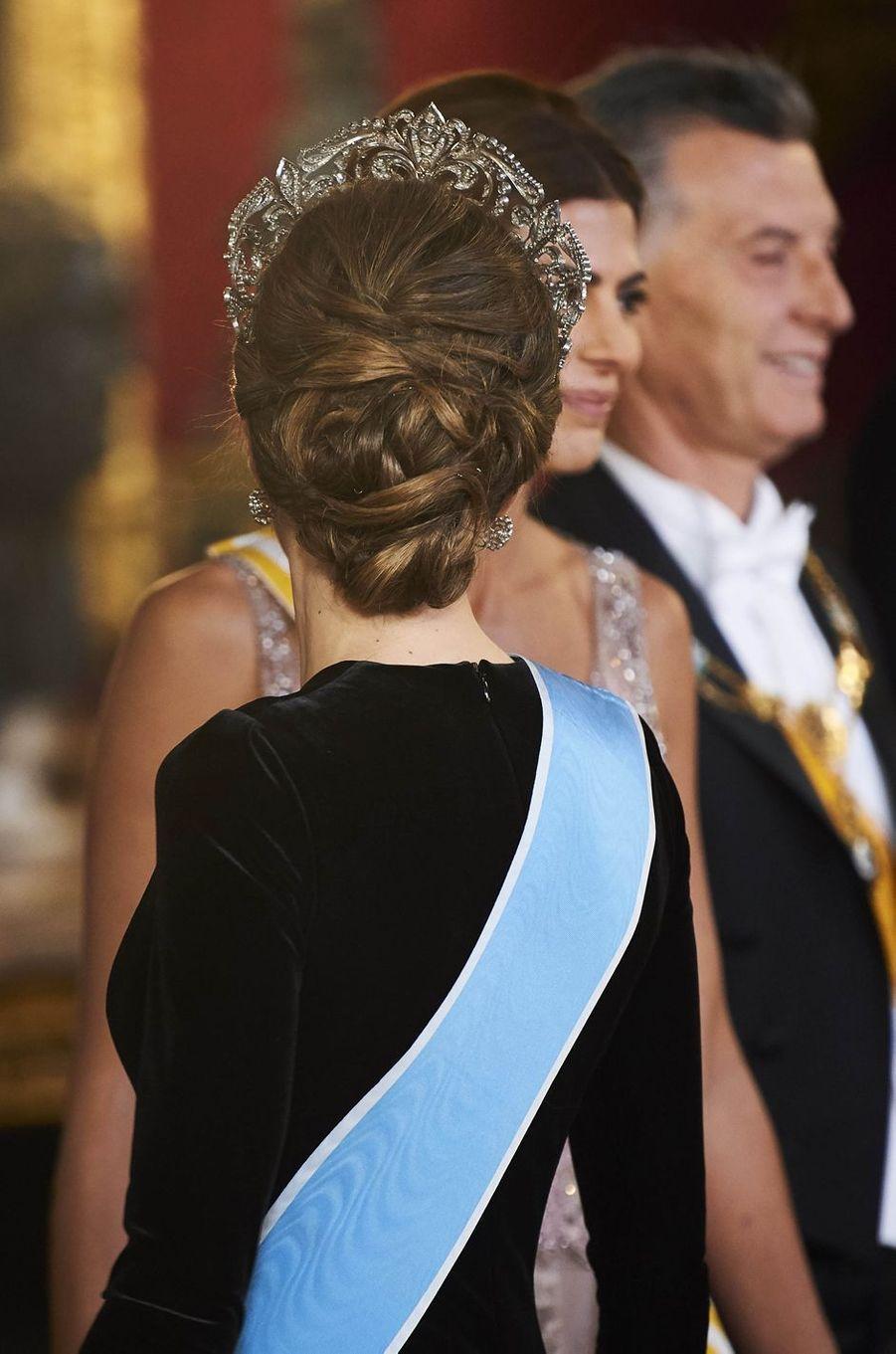 """La reine Letizia d'Espagne coiffée du diadème """"fleur de lys"""", le 22 février 2017"""