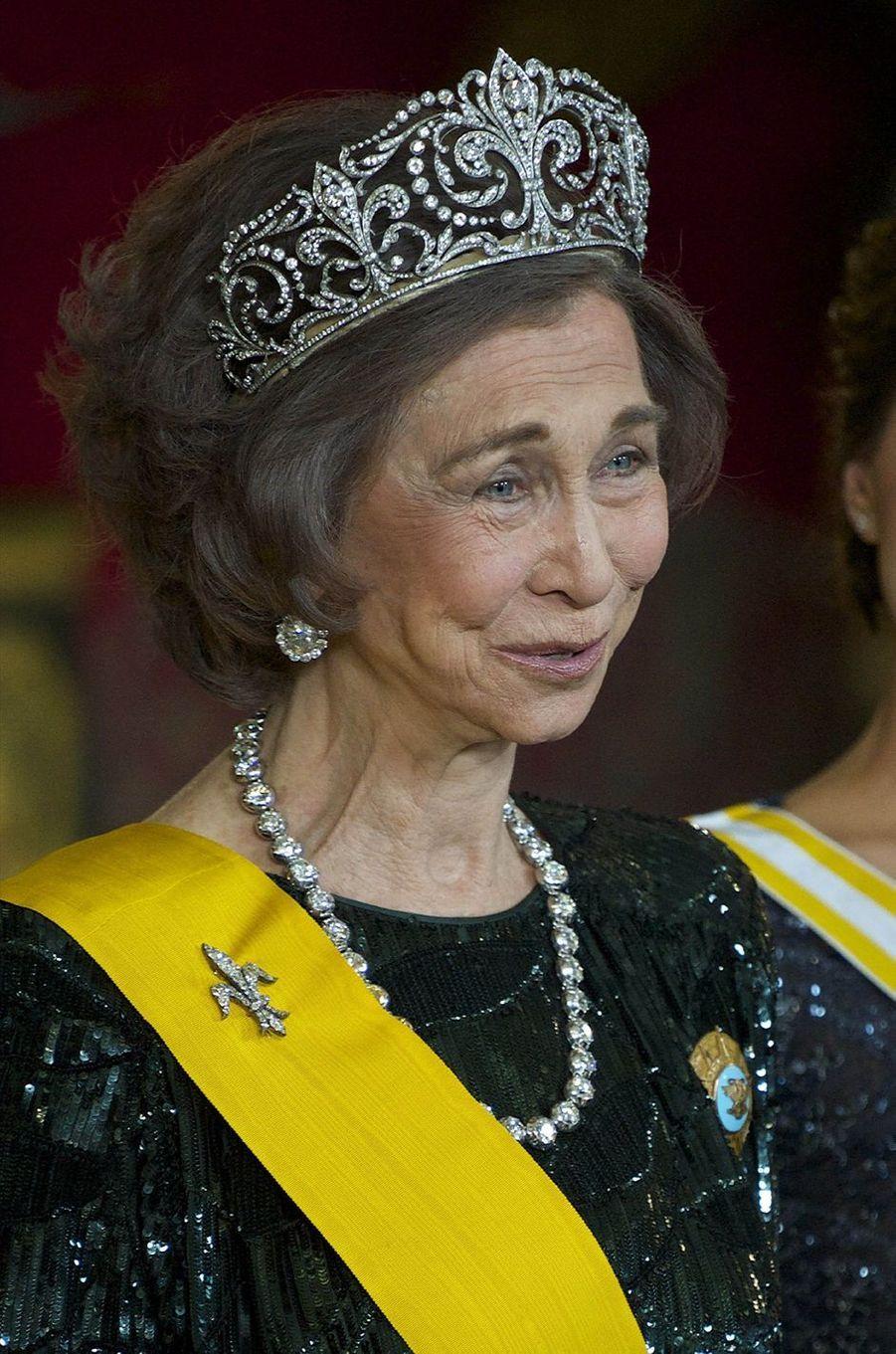 """La reine Sofia d'Espagne coiffée du diadème """"fleur de lys"""", le 9 juin 2014"""
