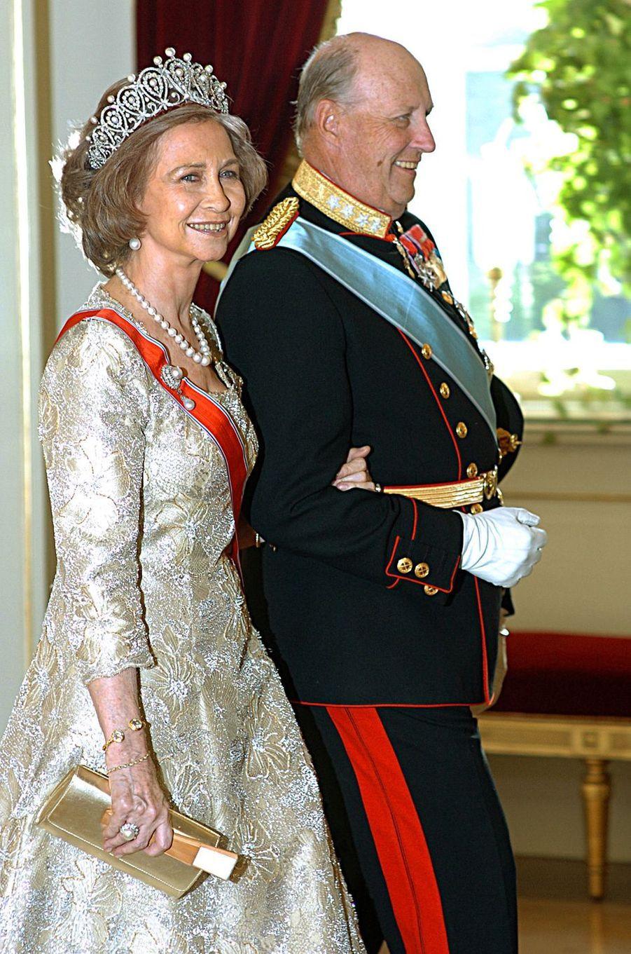 La reine Sofia d'Espagne portant le diadème russe à Oslo, le 6 juin 2006