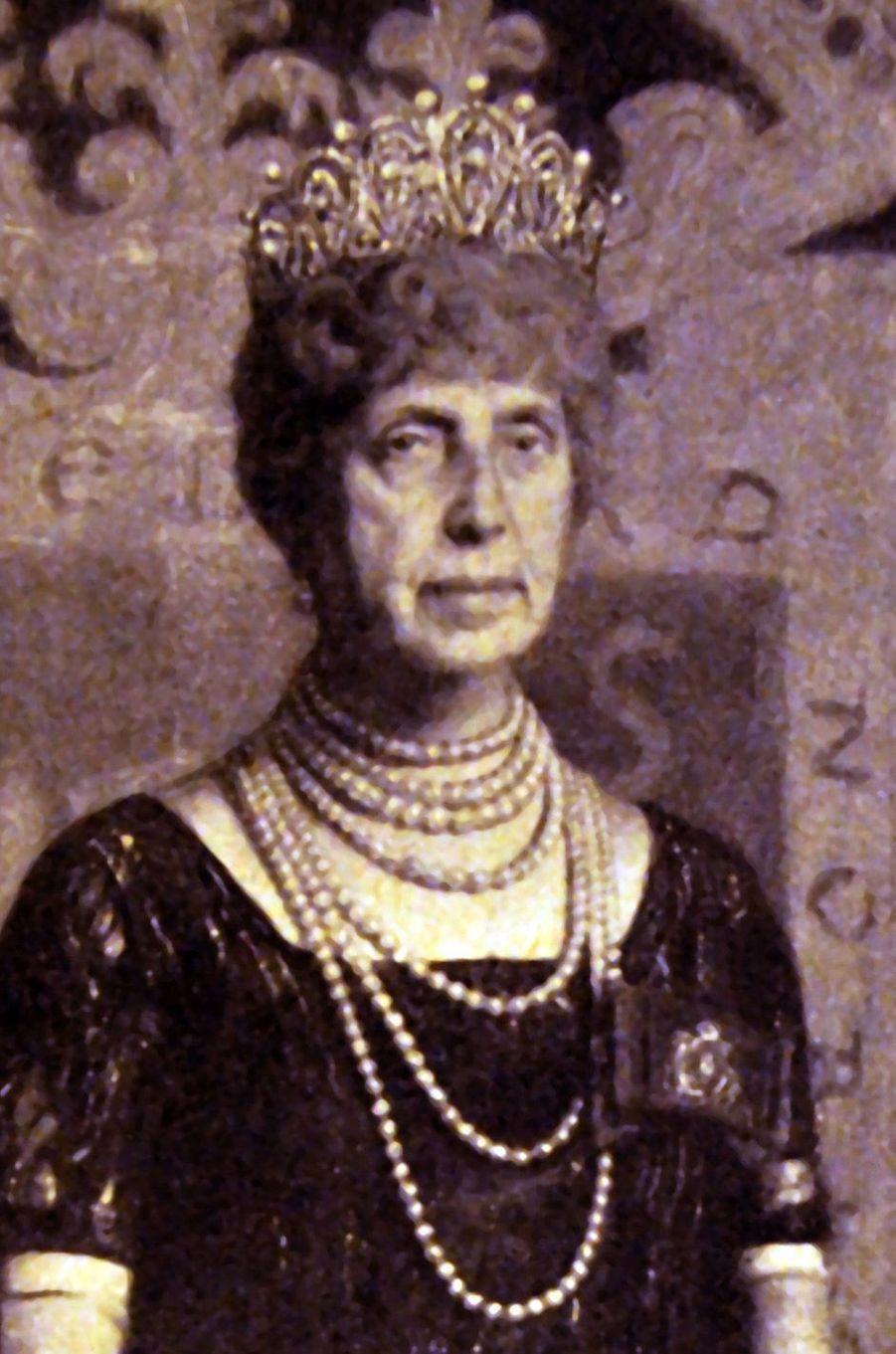La reine Maria Cristina d'Espagne portant le diadème russe. Photo non datée