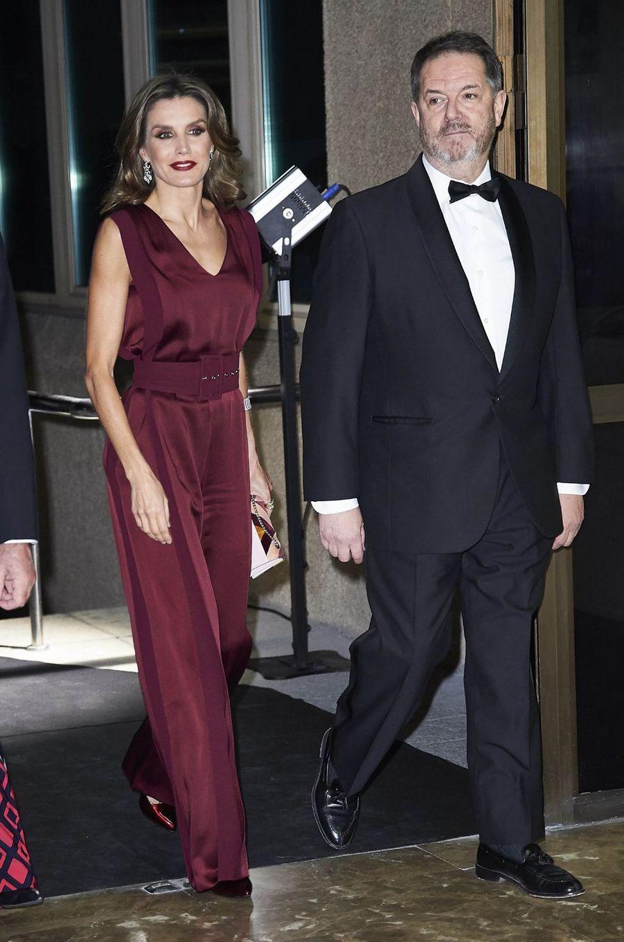 La reine Letizia d'Espagne en Angel Schlesser, le 26 octobre 2017