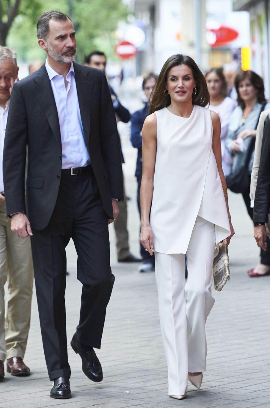 La reine Letizia d'Espagne en Pedro del Hierro, le 17 mai 2018
