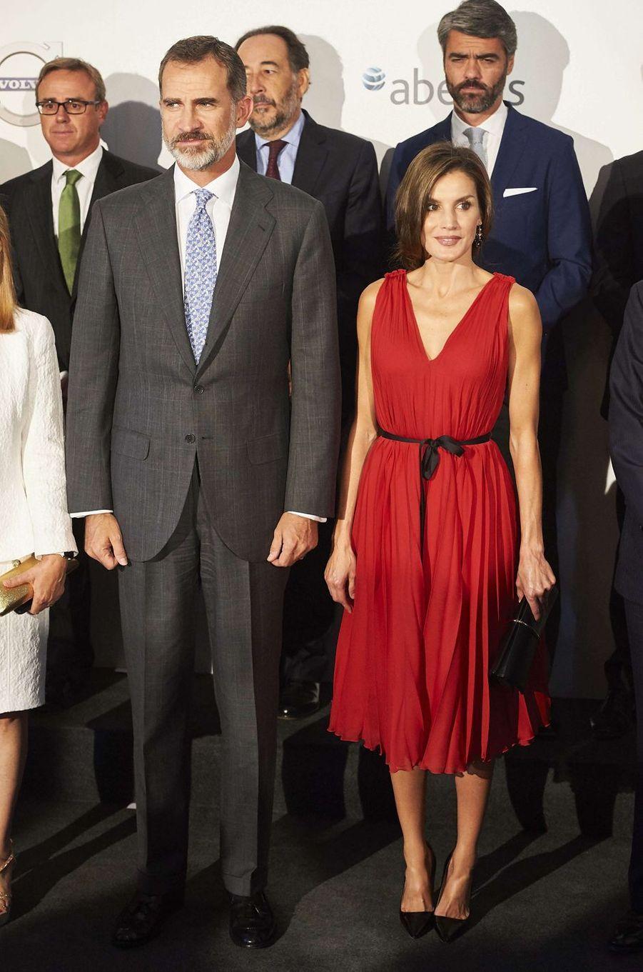 La reine Letizia d'Espagne en Carolina Herrera, le 21 septembre 2017