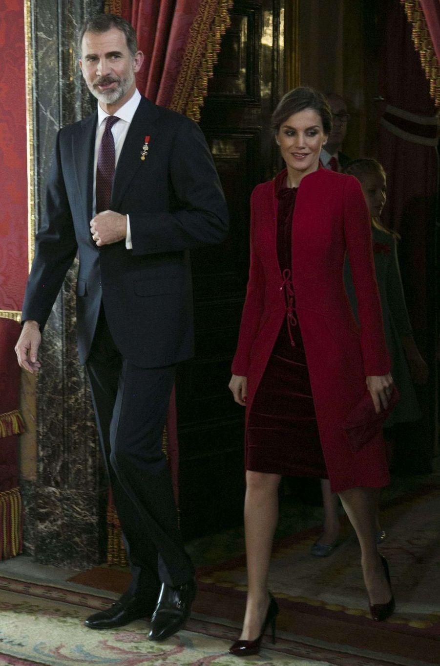 La reine Letizia d'Espagne en Felipe Varela, le 30 janvier 2018