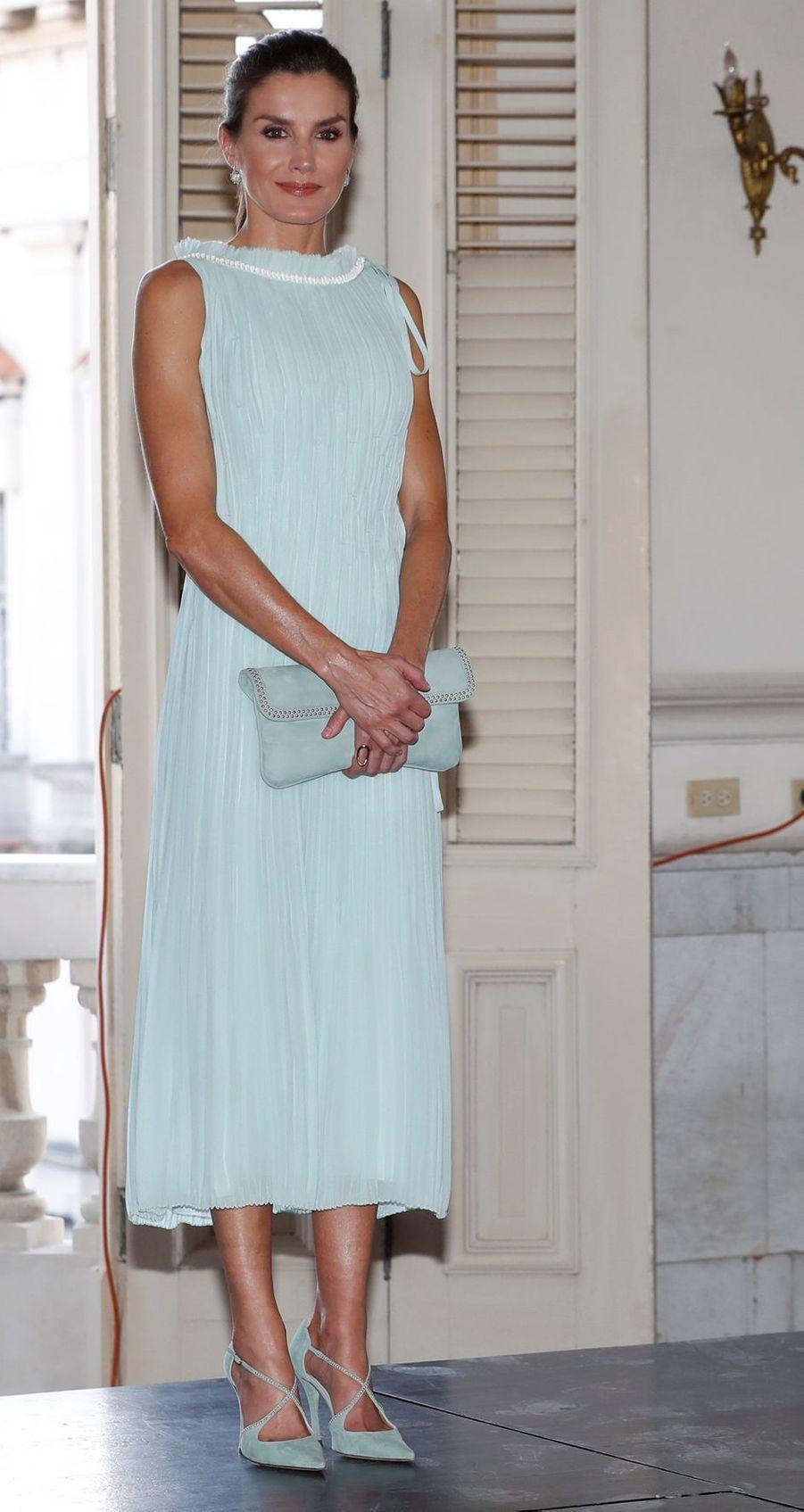 La reine Letizia d'Espagne dans une robe Nina Ricci à La Havane, le 13 novembre 2019