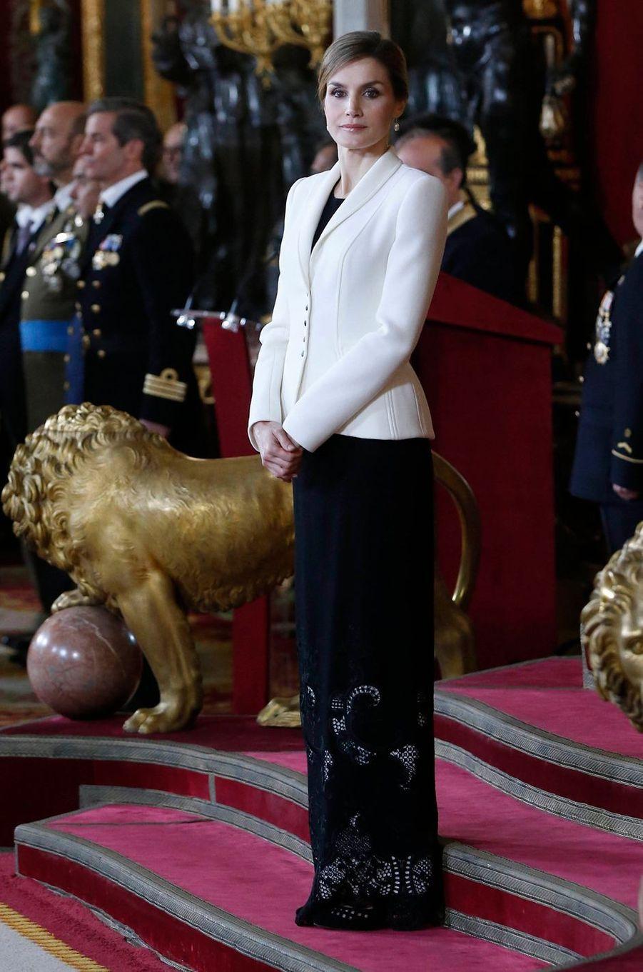 La reine Letizia d'Espagne à la Pascua Militar à Madrid le 6 janvier 2016