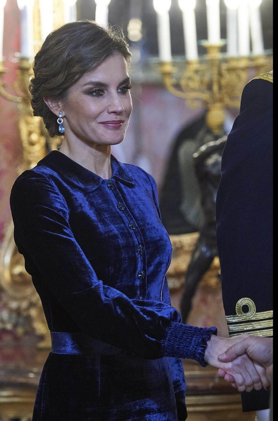 La reine Letizia d'Espagne à la Pascua Militar à Madrid le 6 janvier 2018