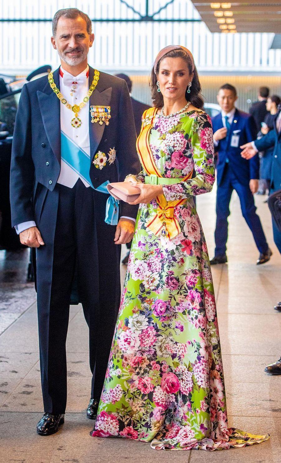La reine Letizia d'Espagne dans une robe Matilde Cano à Tokyo, le 22 octobre 2019