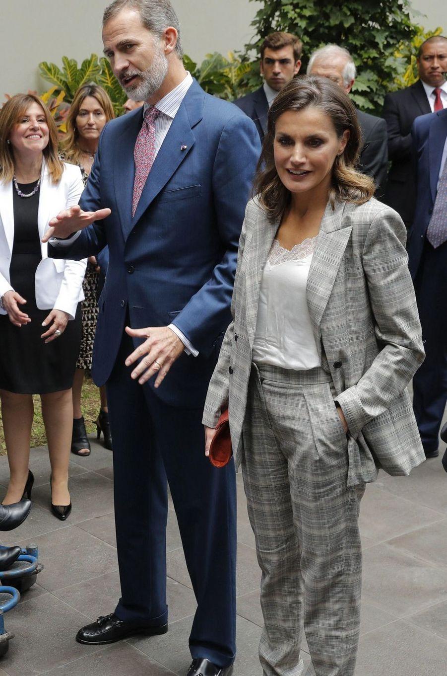 La reine Letizia d'Espagne à Lima, le 13 novembre 2018