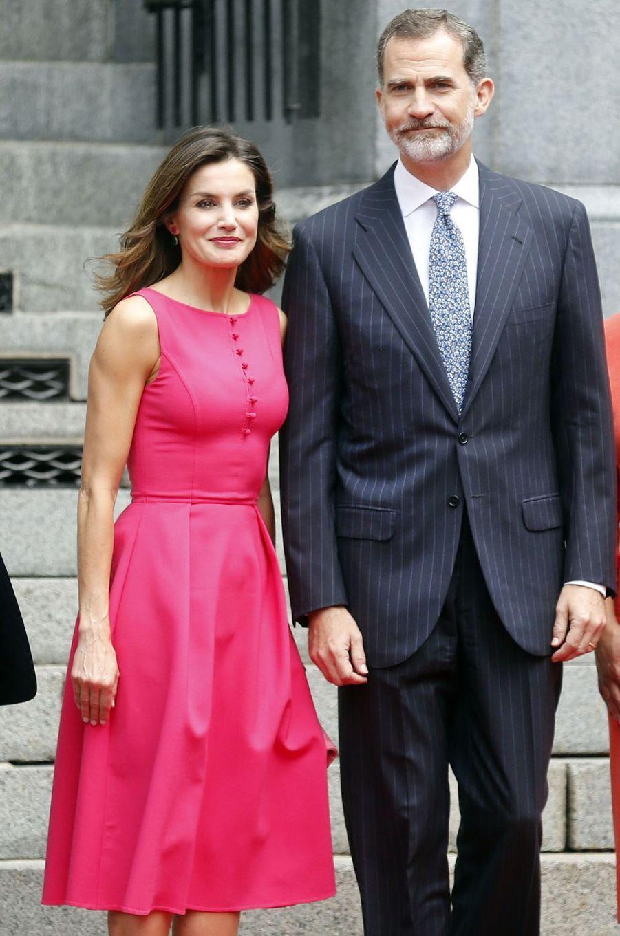 La reine Letizia d'Espagne dans une robe Carolina Herrera à La Nouvelle-Orléans, le 15 juin 2018