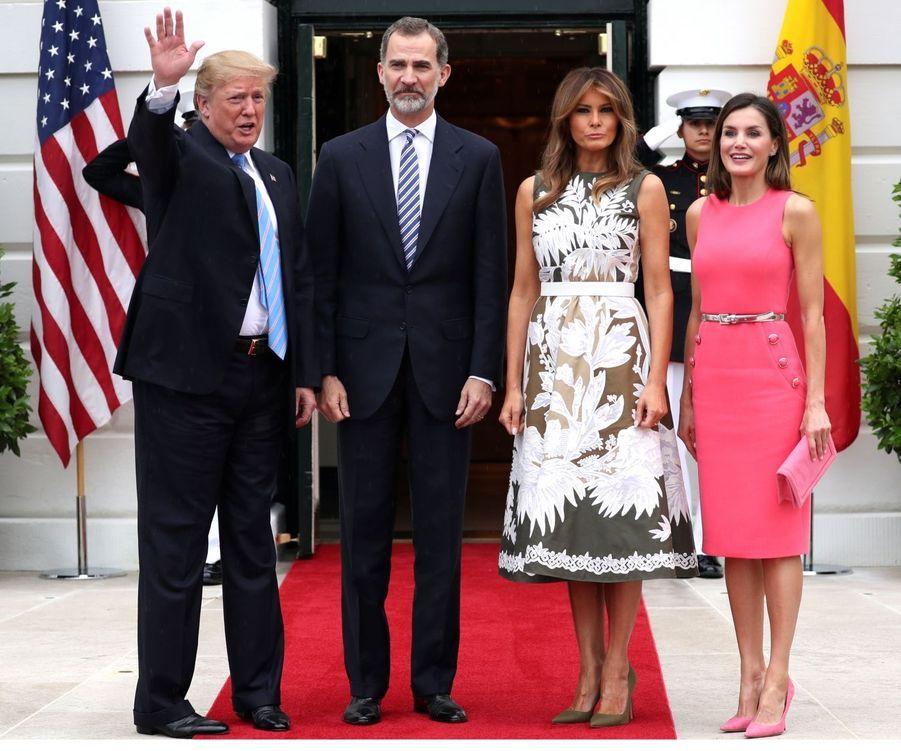La reine Letizia d'Espagne dans une robe Michael Kors à Washington, le 19 juin 2018