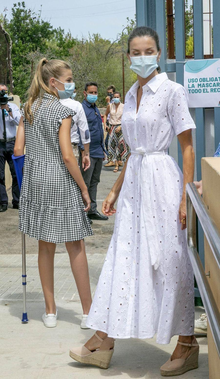 La reine Letizia d'Espagne à Palma sur l'île de Majorque, le 11 août 2020