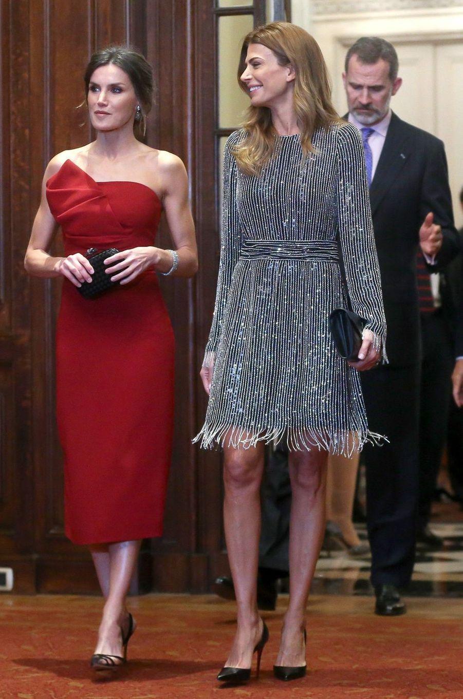 La reine Letizia d'Espagne dans une robe Roberto Torretta à Buenos Aires, le 27 mars 2019