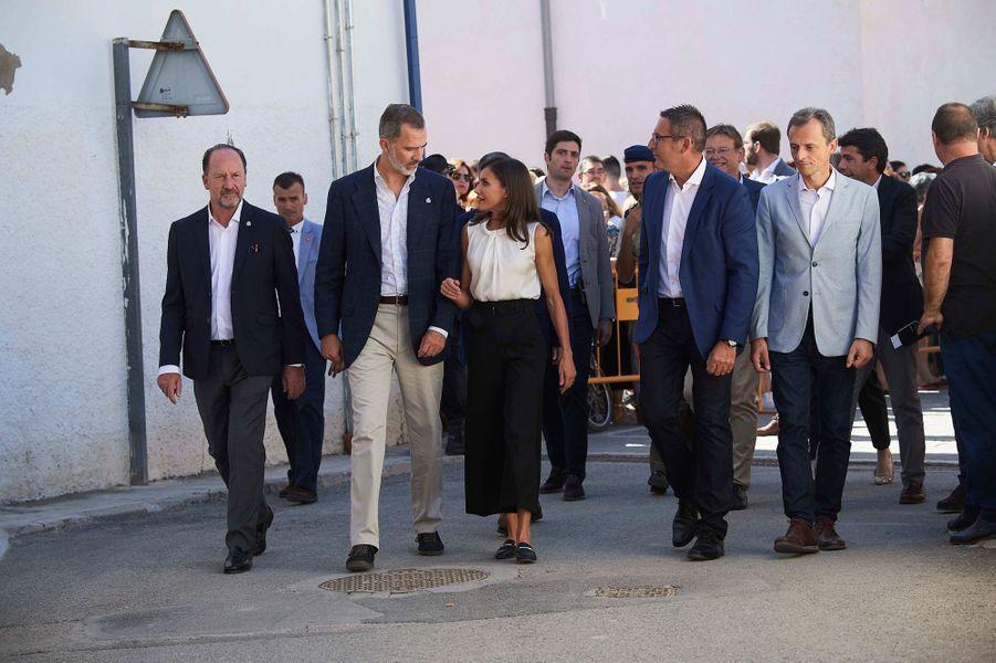 La reine Letizia et le roi Philippe VI d'Espagne à Orihuela dans la province d'Alicante, le 4 octobre 2019